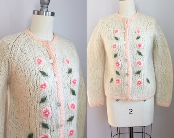 Vintage 1950's Peach Pink Floral Mohair Wool Cardigan Sweater Italy XS Small