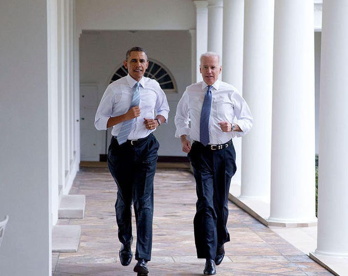 """President Barack Obama & Vice President Joe Biden Run Along White House Colonnade for a """"Let's Move!"""" Taping - 5X7 or 8X10 Photo (ZY-546)"""