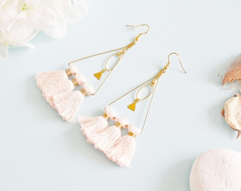 "Earrings ""Lakinata"" brass & pink tassel"