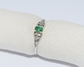 Natural Emerald Engagement Ring - Emerald Silver Ring, Promise Ring, Solitaire Ring, Wedding Ring, SILVER RING, Anniversary Ring. Green Ring