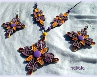 Jewelry Bohemian vintage necklace in varnished and hardened paper