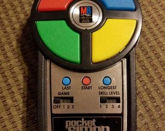 1980 Milton Bradley POCKET SIMON Vintage Electronic Game