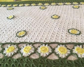 """Vintage 1960's Crocheted Flower Afghan - 70"""" x 58"""""""