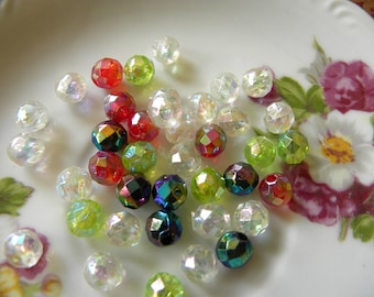 Perles à facettes en plastique Vintage