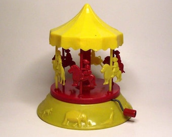 Rare Vintage Toy Plastic Carousel Mary Go Round c. 1940s