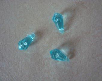 3 perles goutte bleu clair transparent en plastique