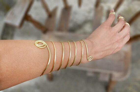 Spiralarmband Boho Krieger Golddraht umwickelt Arm Manschette