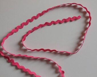 1 meter of Ribbon color zigzag trim dark pink