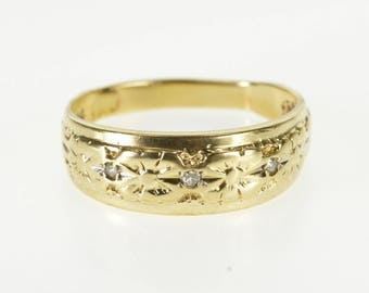14K Diamond Inset Ornate Floral Patterned Band Ring Size 7.5 Yellow Gold