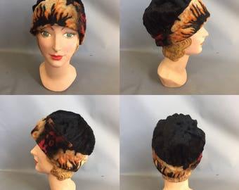 1920s cloche hat / winter hat / brimless cloche