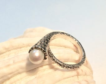 Sterling silver pearl flower ring size 6.5 / romantic pearl ring/ Engagement pearl ring/ Valentine's gift idea for her under 40