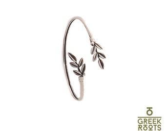Silver bracelet with olive leaves
