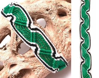 Friendship bracelet - Peruvian - snake - green - white - black - macrame - embroidery - thread - string - knotted - woven - wave - wavy