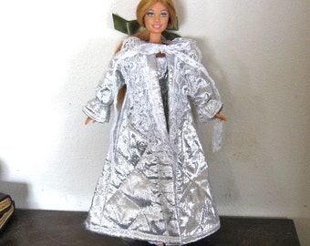 Barbie Clothes Silver Shiny Robe and Gown Set