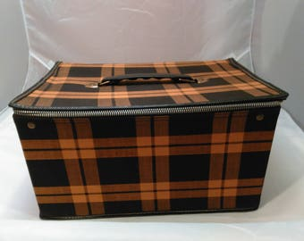 Vintage Collection - Plaid Black and Tan Canvas/plastic Travel/make-up Case