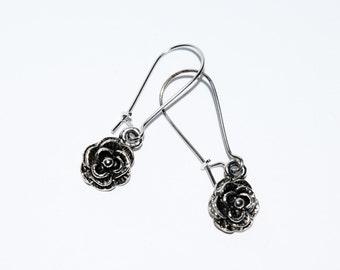Cute Antique Silver Flower Design Drop Earrings