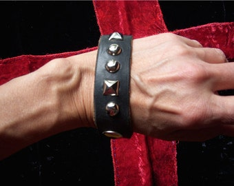 Punk Rock Heavy Metal Rock and Roll Black Leather Bracelet with Ring