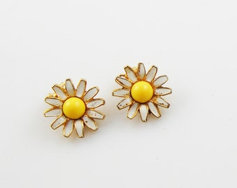 Vintage White And Yellow Daisy Clip On Earrings