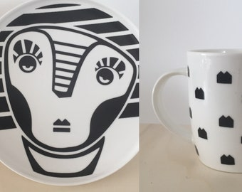 Presales Cup and plate of porcelain silkscreened by hand. Live model in my