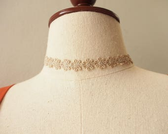 Beige Lace Choker Necklace Petite Marie Antoinette Style Victorian Chic Minimal Jewelry Vintage Style Fairy Tale Jewelry
