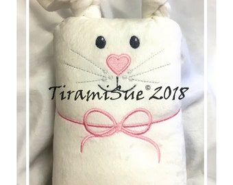 Bunny Crush for the 8x12inch/200x300mm Embroidery machine  -  Made in the Hoop.