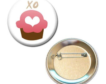56 mm - XO cake kisses Valentine Cupcake badge