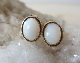 Mother of pearl stud gold earrings, oval shell stud earrings, white mother of pearl stud earrings, MOP earrings