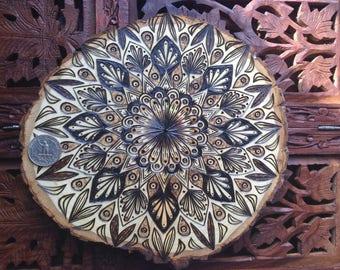 """8.5"""" Holz verbrannt Mandala Scheibe - handgemachte Wand hängen, Heilige Geometrie Kunst, böhmische Wandkunst"""