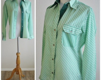 Vintage 60's 70's White Green Rain Slicker Blouse Top Shirt Pearl Buttons by OBERMEYER British Hong Kong