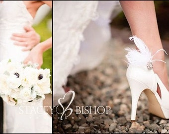 Wedding Shoe Clips Ivory Feathers Rhinestone. White Blue Black Shoe Clip. Bride Bridal Bridesmaid MOH, Lush Edgy Gift, Spring Chic Statement