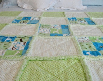 Alphabet Rag Quilt / Giraffe Rag Quilt / Baby Rag Quilt / Child Rag Quilt / Green Rag Quilt / Blue Rag Quilt