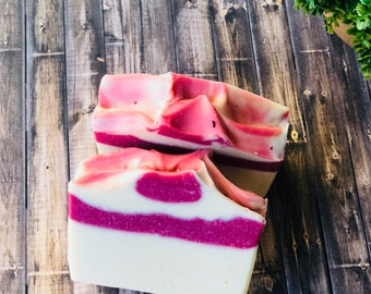 Black Raspberry Vanilla Soap, Raspberry Vanilla handmade Soap, Handmade Cold Process, Homemade Soap Bar, Handcrafted Soaps, Artisan 5 OZ