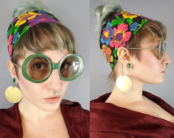 Vintage 1960s Mod Oversized Round Sunglasses Chain Temple Shades, 60s Deadstock Je-Dol Sunglasses Green Gold