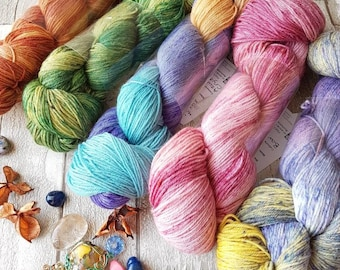 MCN yarn, mineral hand dyed mcn yarn, 4ply merino cashmere nylon yarn, variegated 4ply yarn, pink mcn yarn, green mcn yarn, cashmere yarn