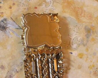 SALE Was 9.75 Now 8.25 Goldtone Chain Bracelet Vintage 1950's