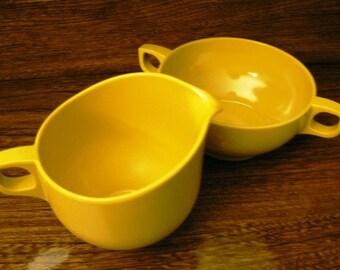Vintage melmac kitsch ... Retro Harvest GOLD MELMAC large CREAM and Sugar with lid   ...