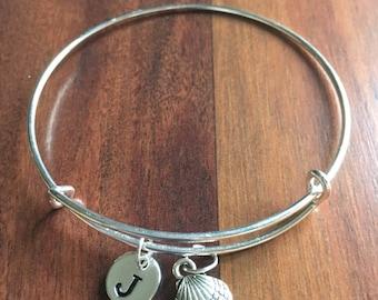KIDS SIZE - SeaShell initial bracelet, Seashell jewelry, beach bracelet, ocean jewelry, sea bracelet, silver sea shell bracelet