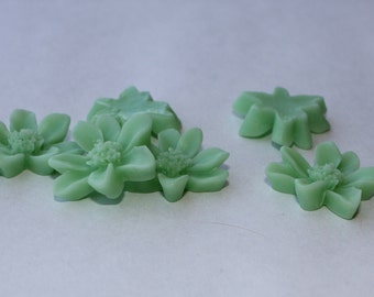 10 DAISY Cabochons - 20mm - Seafoam Green Color