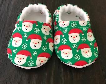 Santa baby booties // Santa crib shoes