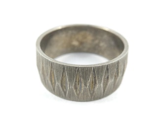 Vintage, Silver Tone Band, Ring, Size 6