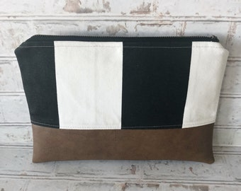 Vegan Leather Cosmetic Bag / Black & White Vegan Leather Make Up Bag / Vegan Leather Make-Up Bag / Faux Leather Cosmetic Make Up Bag