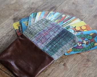 Tarot card bag / 8 of Cups / zipper pouch / tarot card pouch / handwoven pouch / tarot accessories / tarot reader / oracle card bag / witchy