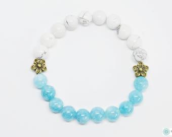 Blue sponge quartz & Howlite beaded bracelet