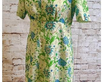 Vintage Thai silk hand woven dress. Beautiful floral detail.