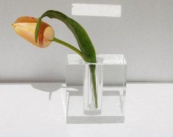 Vintage Clear Mirage vase