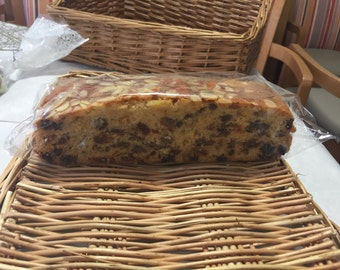 Dundee cake/Scottish cake/homemade/1lb cake size/fruit cake/rich fruit /whole cake/freshly baked/almonds/fruit/made to order/gift/birthday