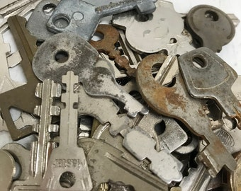 Vintage Flat Keys - Set of 50 #17