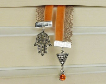 bookmark • Fatimas hand • silver / oriental / gift for her / gift under 20