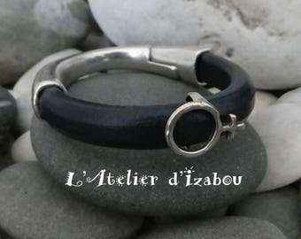 Bracelet feminin demi-jonc marine fermeture aimanté cuir régaliz, passant symbole femme
