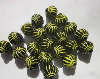 Black and Yellow Lantern Acrylic Beads 14mm 12 Beads